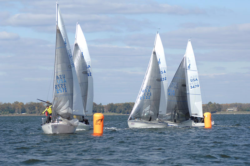 J24 Weather Mark Rounding. The rigging Company. Parker Tide. North Sails. Quantum Sails.