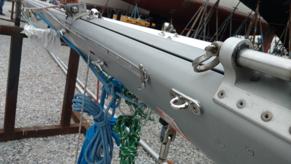 Dehler 39 tri-sail track, new standing rigging, synthetic and removable solent stay system, TRC Boom Preventer System. TRC lazy jacks, new hydraulic backstay adjuster with fail-safe turnbuckle. Ready to make the trip across he big pond.